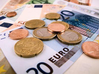 Geld-Euro-Internet-Handy-Ausland-Karte-200.jpg