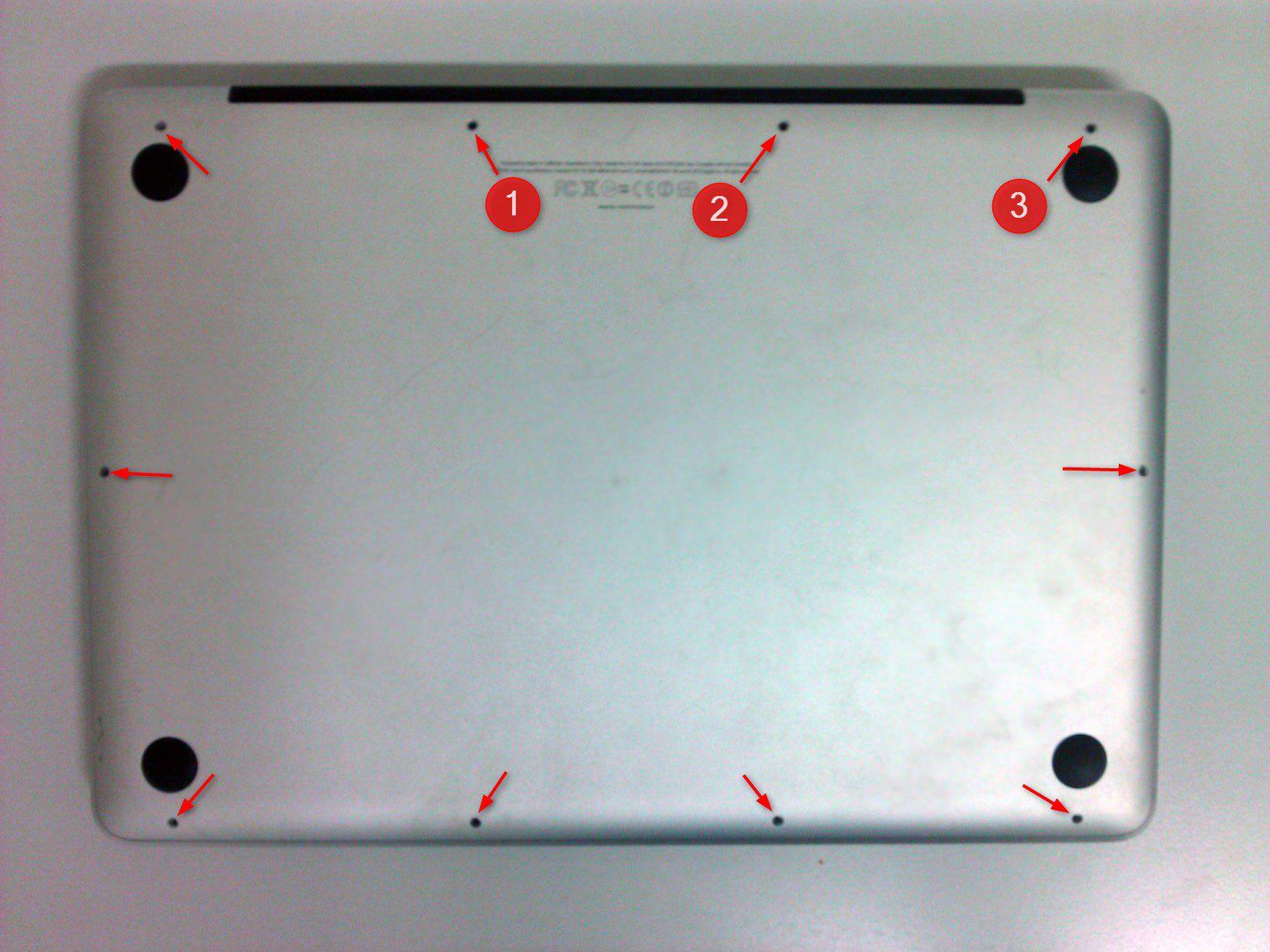 03-So-gehts-MacBook-Pro-mit-SSD-nachruesten-MacBook-Schrauben-470.jpg?nocache=1318607439782