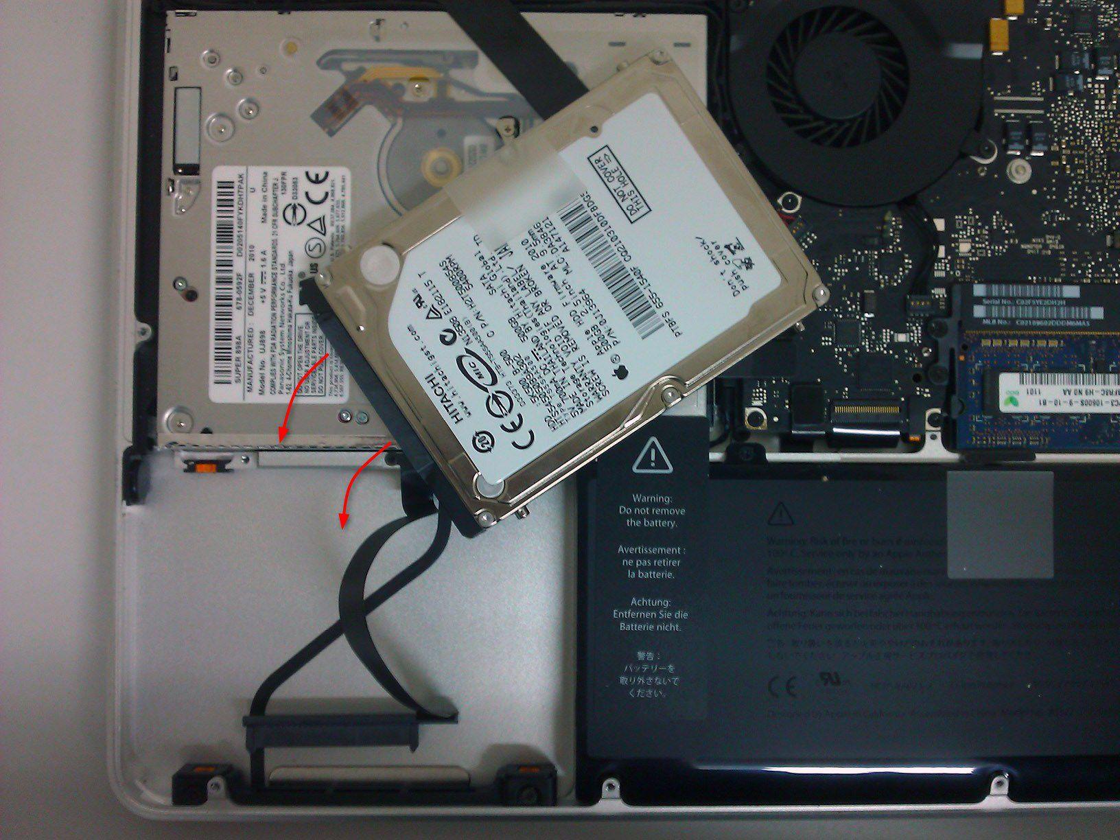 06-So-gehts-MacBook-Pro-mit-SSD-nachruesten-HDD-Anschluss-loesen-470.jpg?nocache=1318607524508