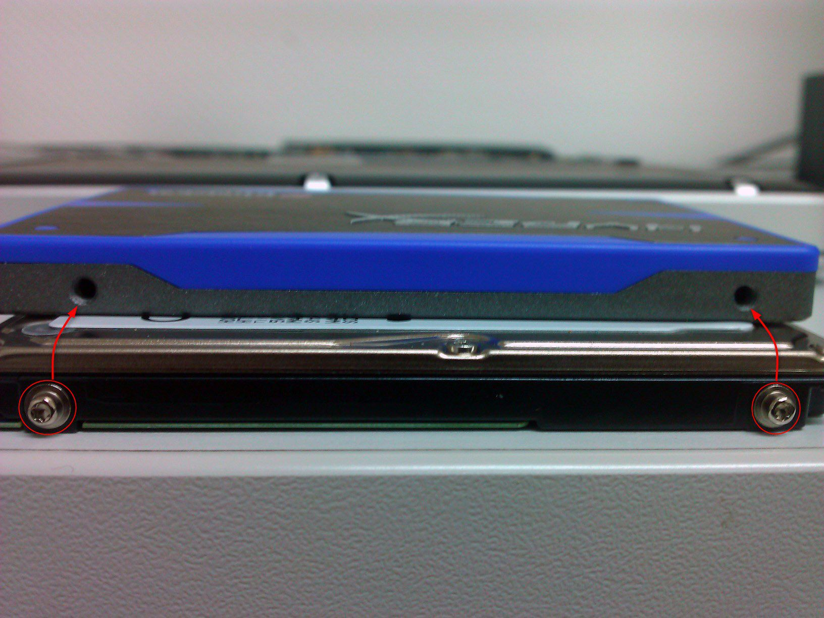 07-So-gehts-MacBook-Pro-mit-SSD-nachruesten-Torx-Schrauben-umziehen-470.jpg?nocache=1318607539944