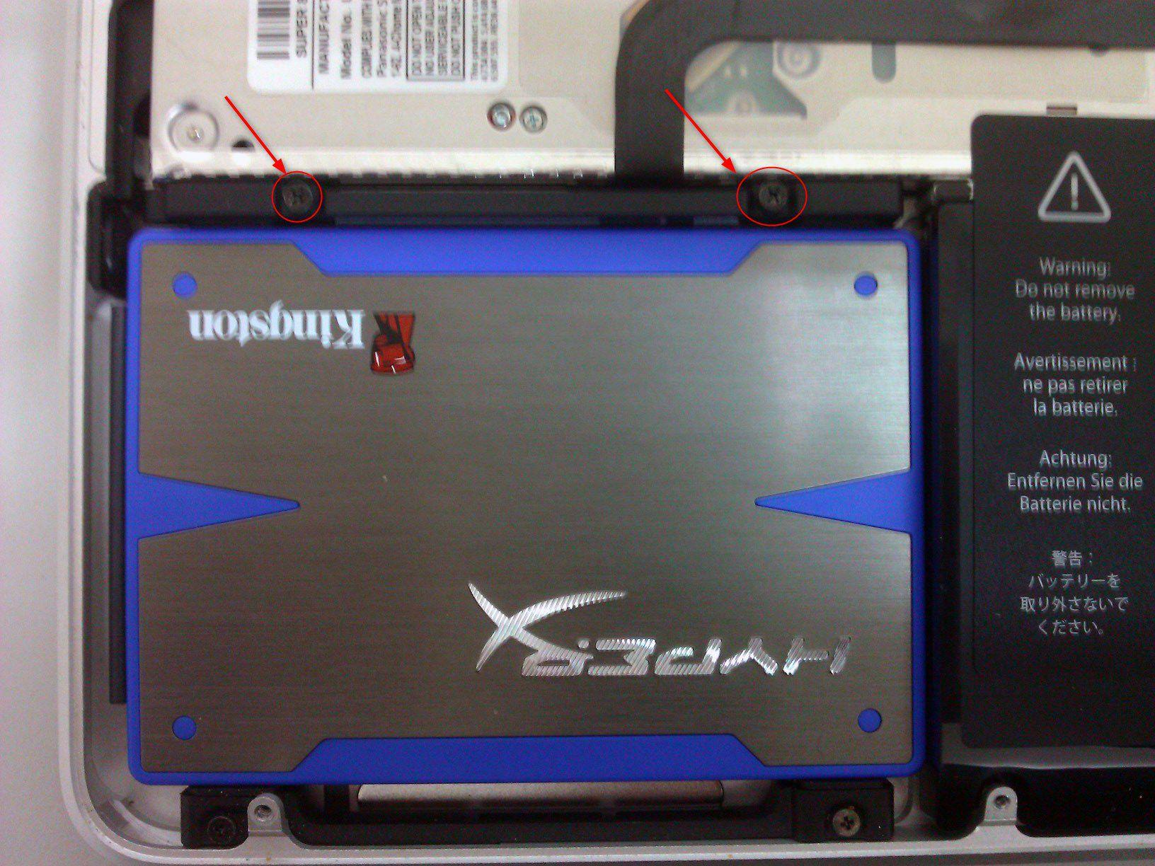 10-So-gehts-MacBook-Pro-mit-SSD-nachruesten-Halterung-einsetzen-470.jpg?nocache=1318607721938