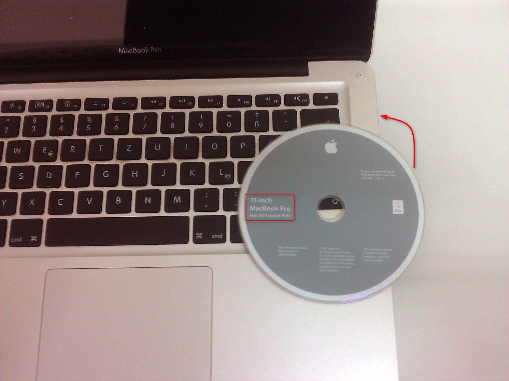 11-So-gehts-MacBook-Pro-mit-SSD-nachruesten-OSX-DVD-einlegen-470.jpg?nocache=1318607764439
