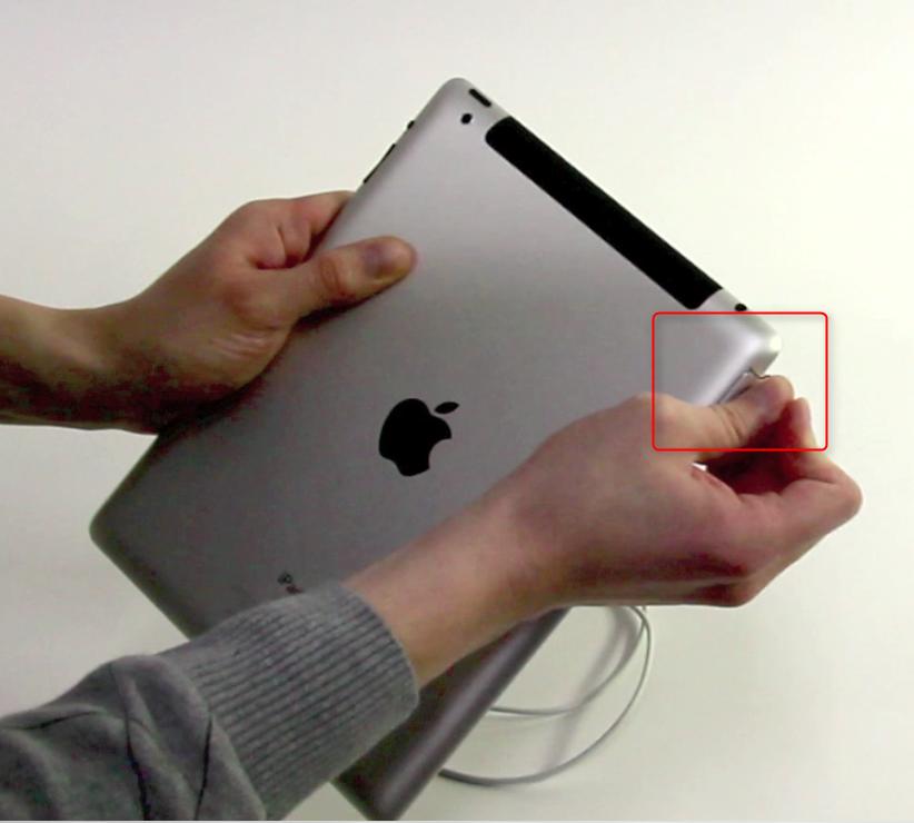 02-Das-erste-Mal-ein-iPad-in-der-Hand-3G-SIM-Karte-470.png?nocache=1324026437342