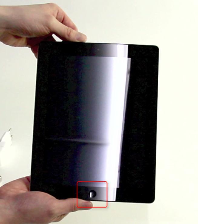05-Das-erste-Mal-ein-iPad-in-der-Hand-Home-Button-470.png?nocache=1324026799768